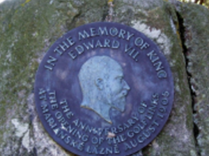 Spomienka na patróna ihriska v Mariánkach - anglického kráľa Eduarda VII.
