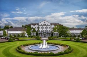 Päťhviezdičkový hotel prichýli golfistov i negolfistov.